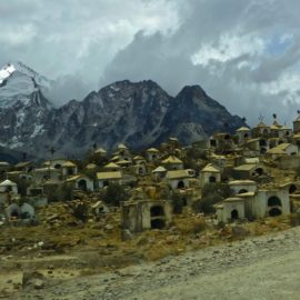 Lingering in La Paz: Cycle House, Comraderie and One Big Mountain